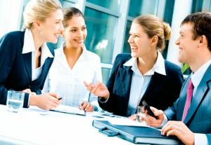 Las relaciones entre los empleados mejorarán la comunicación y el compromiso hacia la empresa