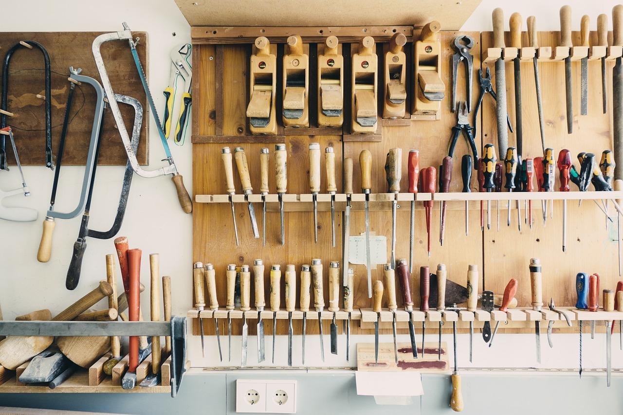 riesgos naturales, herramientas, accidentes, caso fortuito, destornilladores, tools, serruchos, caja de herramientas