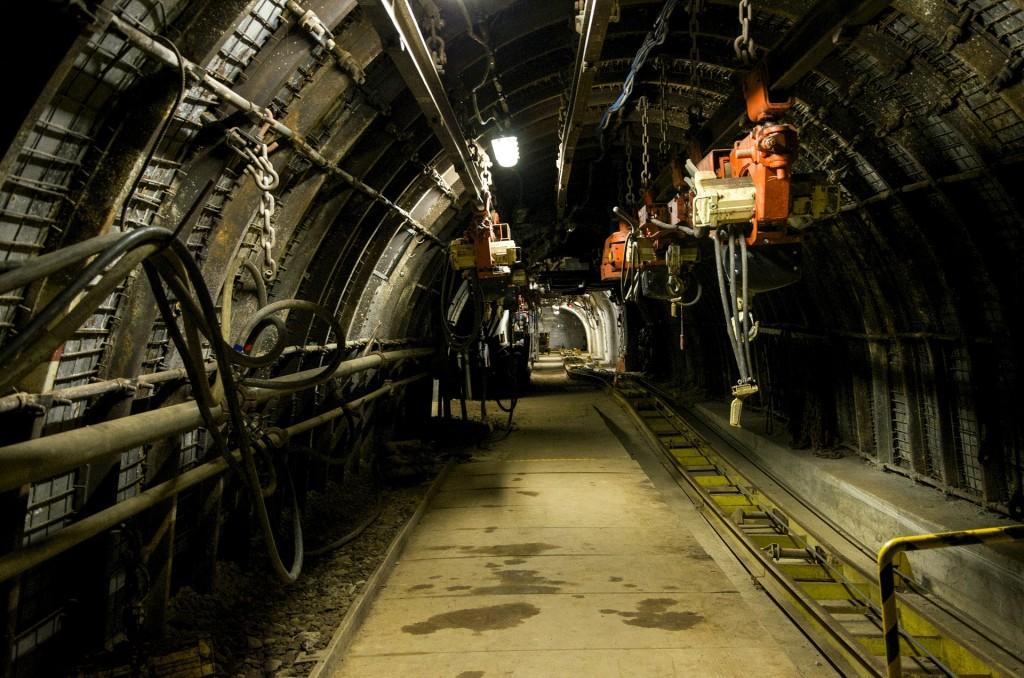 minas, socavón, ingeniería de minas, mineros, trabajos con mejor salario, profesional