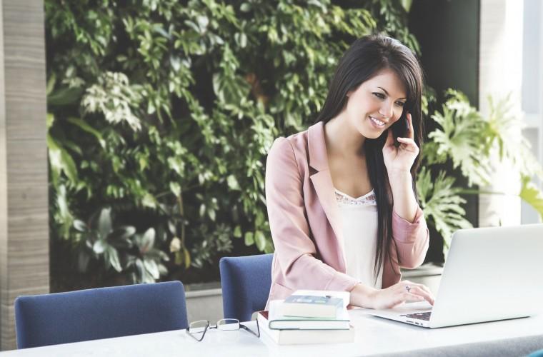 trabajadora, ejecutiva, mujer, empleo, empresa, compañía trabajo, ambiente laboral, habitat laboral, oficina