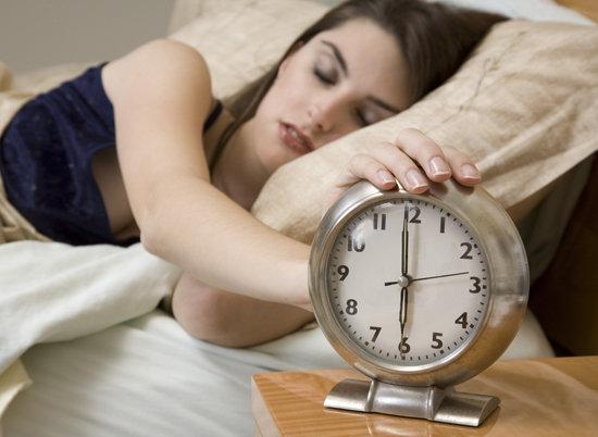tarde al trabajo, excusas para llegar tarde al trabajo, empleados llegan tarde, empleo, trabajador, buscar empleo, conseguir empleo