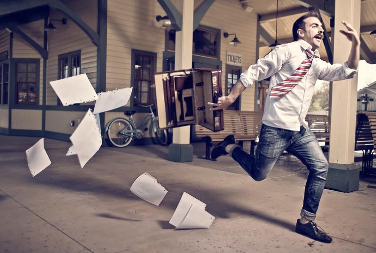 llegar tarde al trabajo, excusas para llegar tarde al trabajo, empleados llegan tarde, empleo, trabajador, buscar empleo, conseguir empleo