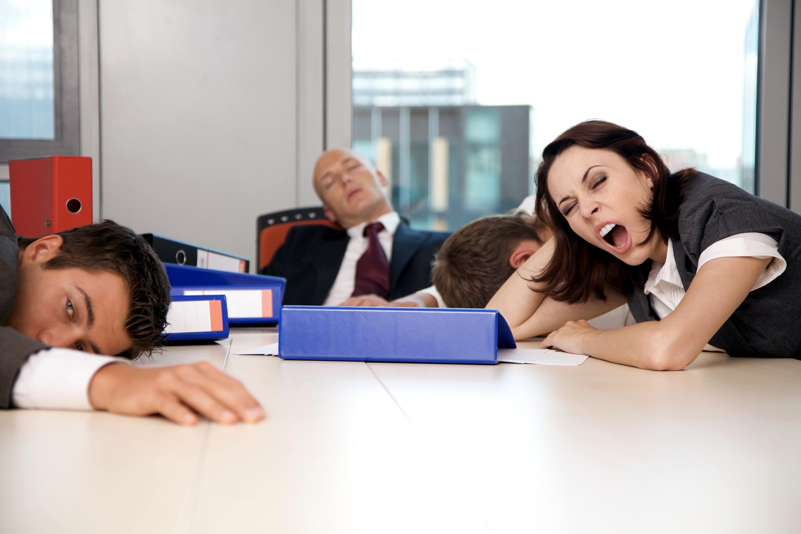 mantenerse despierto en la jornada laboral, no dormir en la jornada laboral