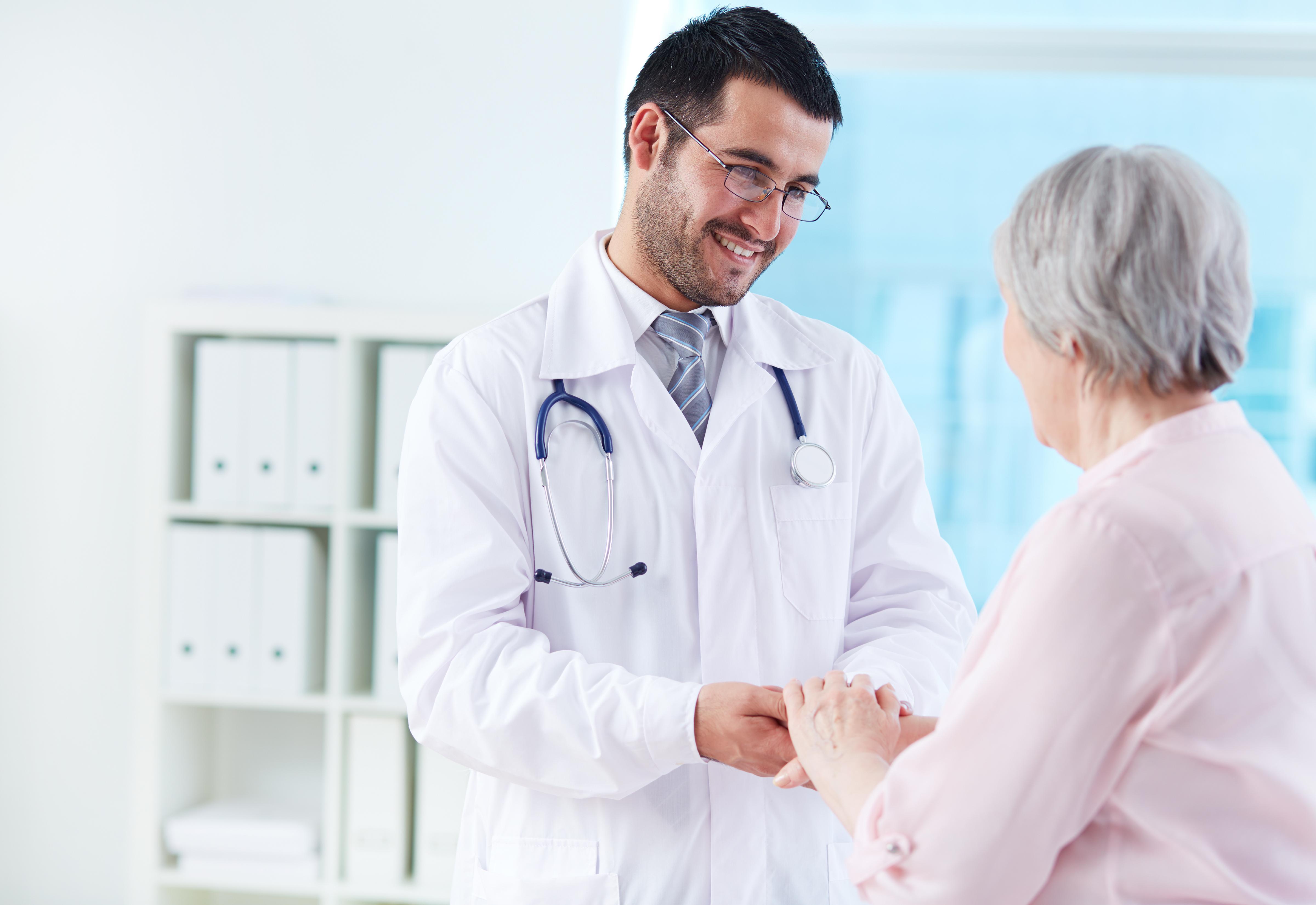 médicos, doctores, empleo para médicos