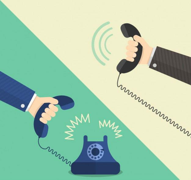 manos-que-sostienen-los-telefonos_23-2147510250