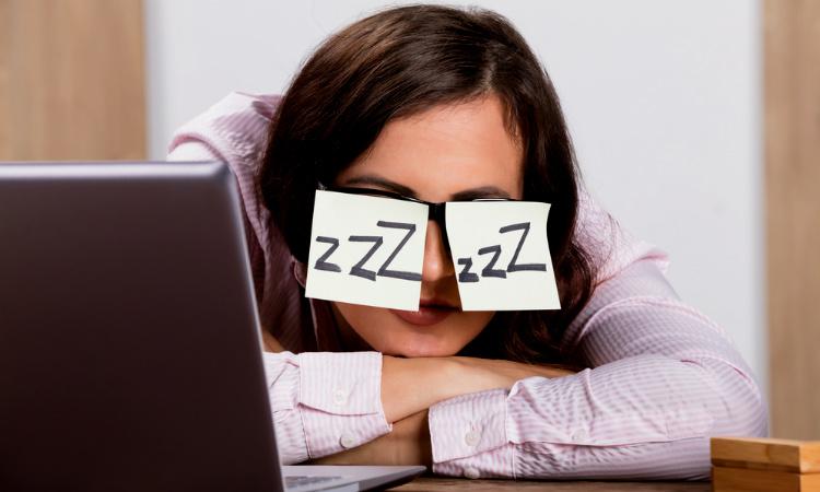 ¿Cuánto debe durar una siesta en el trabajo? ¡Conoce los beneficios!