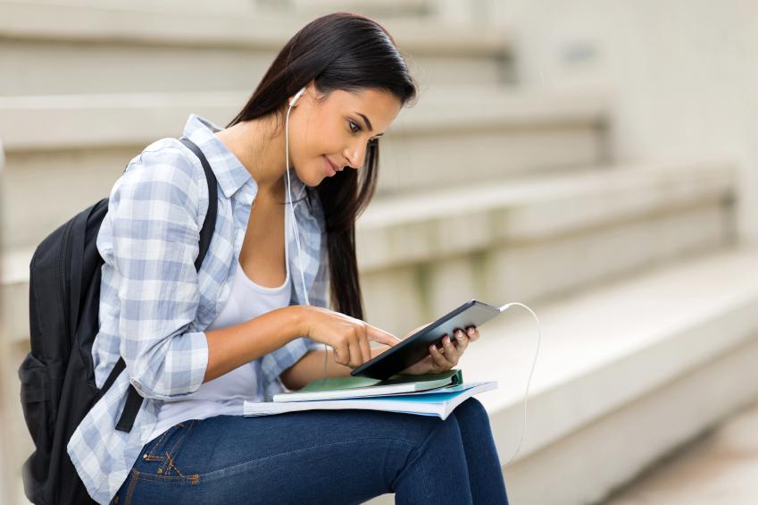 trabajos de medio tiempo, empleo medio tiempo, trabajo medio tiempo, trabajo para estudiantes, trabajar siendo estudiante