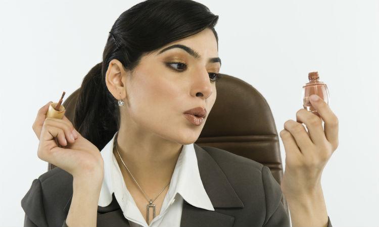 7 cosas muy molestas que no debes hacer en tu trabajo. ¡Ayuda a mantener la armonía!