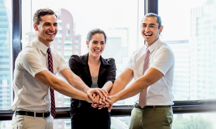 La colaboración laboral es fundamental para lograr la sinergia
